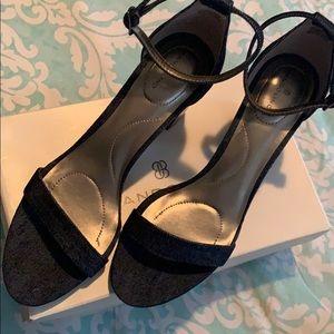 Bandolino Denim Strap Shoe sz11